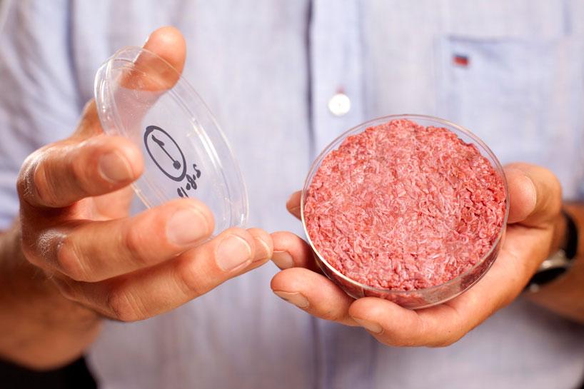 cultured-beef-first-lab-grown-burger-designboom-01-1